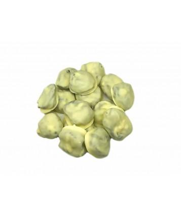 Чернослив в белом натуральном шоколаде